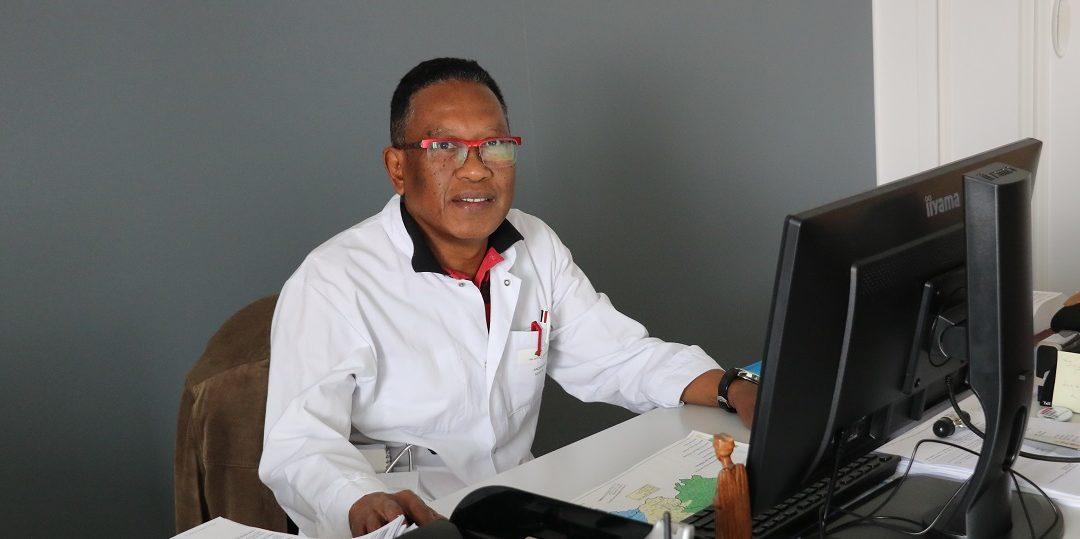 Dr ANDRIANJAFINARIVO Bruno